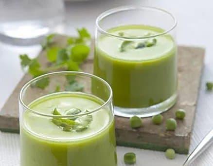 Recette-diététique--Crème de petits pois à la coriandre et au citron vert