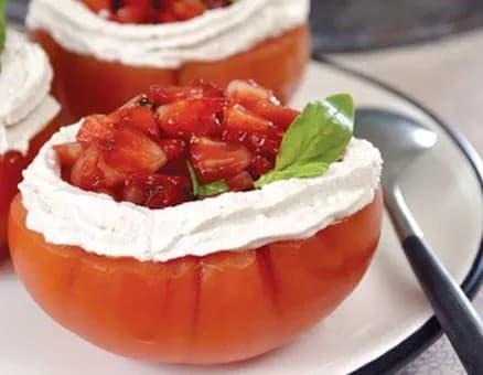 Recette-diététique-Tomates farcies aux fraises chantilly poivrée