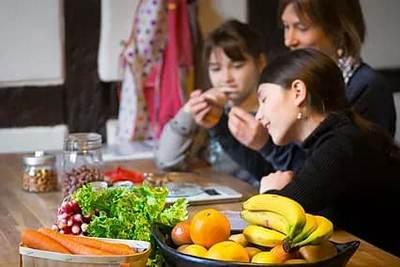 Illustration d'un atelier de cuisine dietetique avec Amélie Roger diététicienne nutritionniste